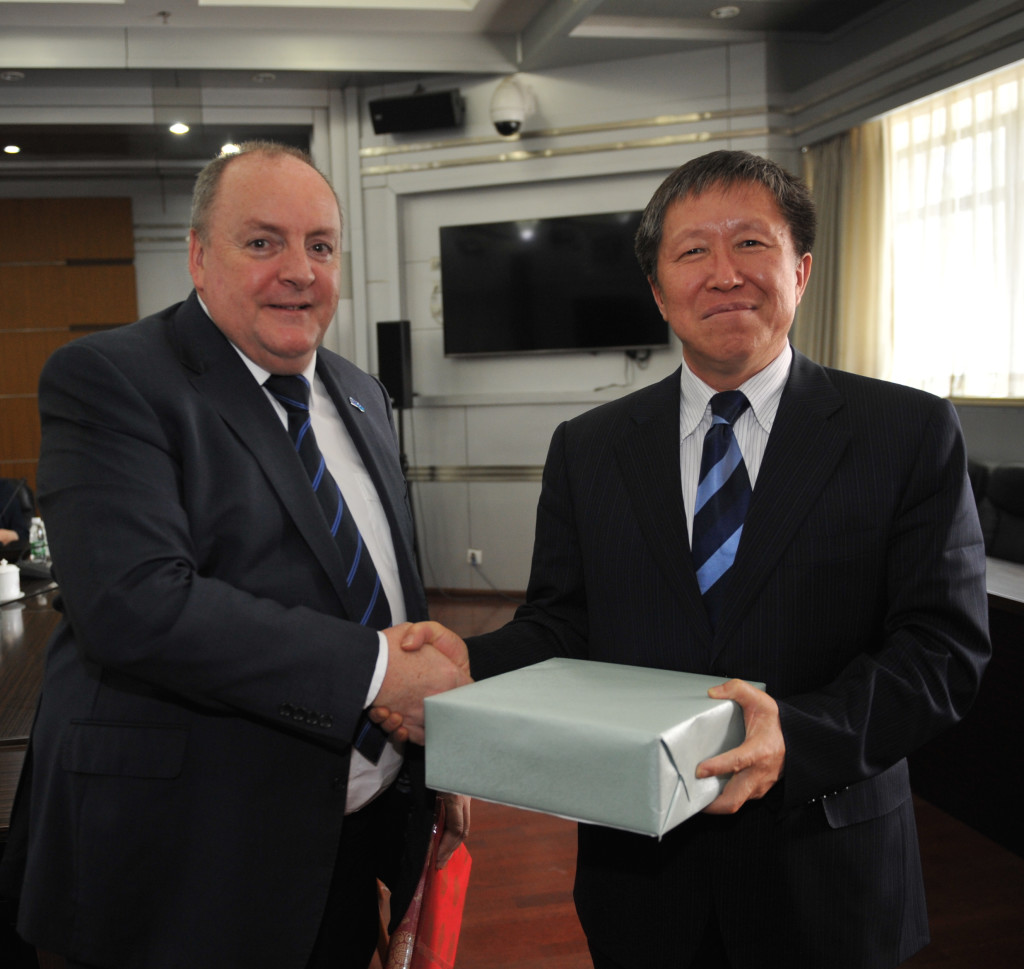 SKA Director General Prof. Philip Diamond meets China Vice-Minister for Science and Technology Dr. Cao Jianlin